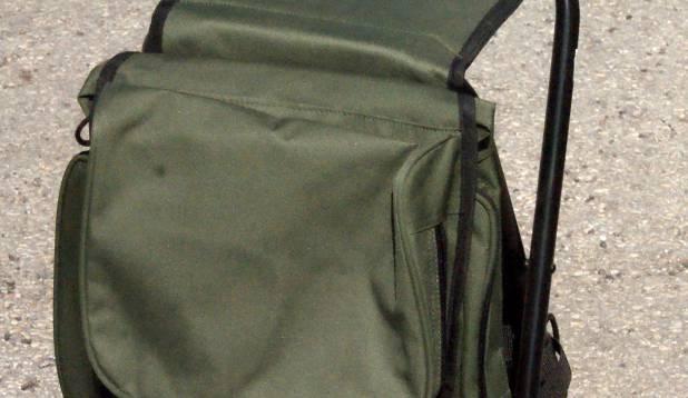KOTT-TOOL. Algajale kalastajale sobilik seljakott, mida ühtlasi saab kasutada ka toolina. Foto: Gert Kiiler.
