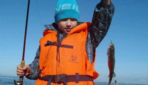 OKTOOBER 2010. Esimene tõsine kalalkäik. Õige õpetajaga õiges kohas – see valem tõi enam kala, kui varasema kalamehekarjääri jooksul kokku. Foto: erakogu.