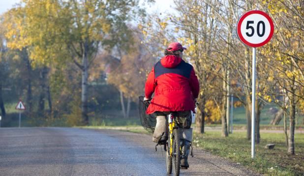 Sir Mudakoger teel salapärase Salajärwe äärde. Foto: Aivar Kullamaa.