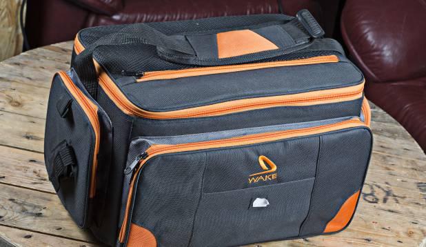 Kott lantide jaoks, mida on mugav kõikjale kaasa võtta. Kotis on neli landikasti ning hulgaliselt lisataskuid.