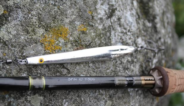 PERFEKTNE KOOSLUS. Real Silver tooni Sølvpilen lant ja Westin 3776 10-jalane ritv testiga 7-30g on Taani rannikul tegijad.