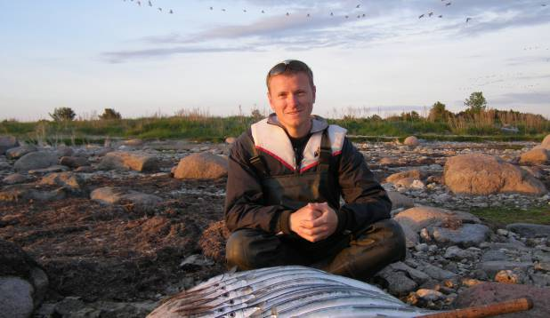 """GERTO TIITSON:  """"Käisime Lääne-Saaremaal paadiga merel. Sai trollitud ning lanti loobitud. Lantideks oli Kuusamo professor ja muud räimele sarnased plekklandid. Tulemuseks 10 tuulehaugi."""""""