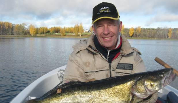 """URMAS MERESMA: """"13. oktoobril 2013 püüdsin Pangodi järvest elussöödaga koha. Kala kaalus 4,268 kilogrammi."""""""