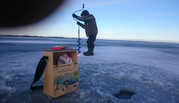 Talv ei ole kaugel - pajaga jääpeal kalal