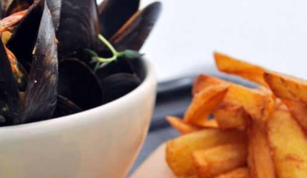 Suitsutatud sinimerikarbid friikartulite ning koduse majoneesiga Autor: Erki Siplane Foto: Erki Siplane